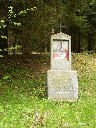 Dvě zastavení obnovené křížové cesty u Cetvin