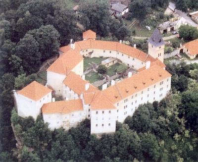I tento letecký snímek zámku ve Vimperku pochází z jeho knihy