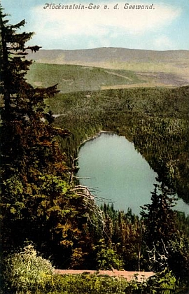 Plešné jezero počátkem 20. století na pohlednicích fotografů Josefa Seidela a Friedricha Ernsta Brandta z Gmundenu...