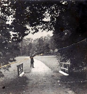 Benedikt Braun starší v parku na Červeném Dvoře, kde rovněž působil jako zámecký správce