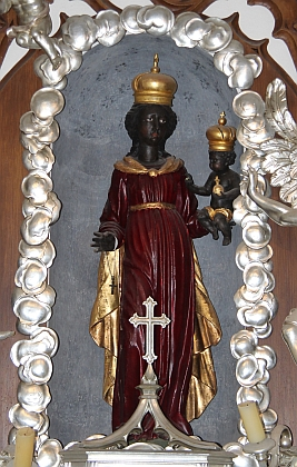 Černá Matka Boží  (Panna Maria Einsiedelnská) umístěná v kapli postavené na příkaz kněžny Marie Ernestiny zu Eggenberg v roce 1686, dodnes k vidění v rajském dvoře kláštera minoritů, v jehož areálu Braun na konci života bydlil