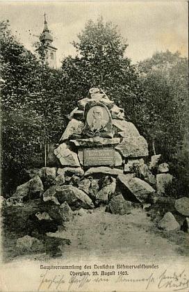 Někdejší památník Josefa II. v Horní Plané na staré pohlednici adnes