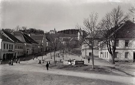 Náměstí v Horní Plané tentokrát na pohlednici Josefa Seidela