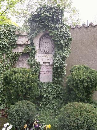 Hrob jeho rodičů v bavorském Augsburgu