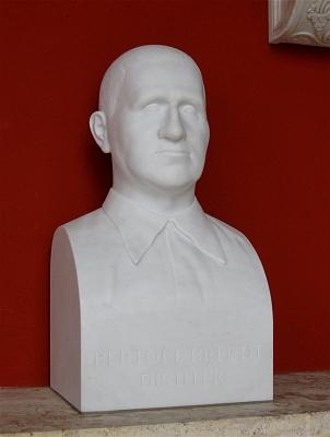 Jeho bysta byla v roce 2009 odhalena v mnichovské Ruhmeshalle, uchovávající podoby slavných synů Bavorska