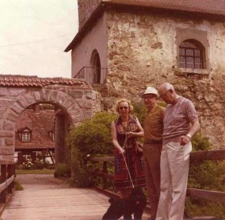 S manželkou Elisabeth a jejím bratrem Heinrichem Hermannem