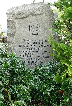 Symbolický hrob jejích bratrů ve Frauenau