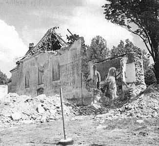 Kostel se zřítil v neděli 30. 5. 1999