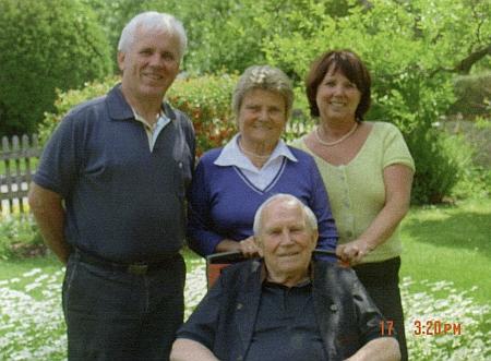 S dětmi Ludwigem, Marille a vnučkou Gerti