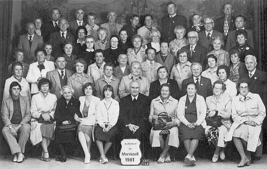 Se svou ženou Marií je zachycen při pouti Šumavanů do Mariazell roku 1981 třetí zprava ve druhé řadě, ona druhá zprava