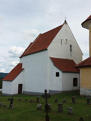 Gotická kaple Navštívení Panny Marie vedle kostela ve Svérazi...