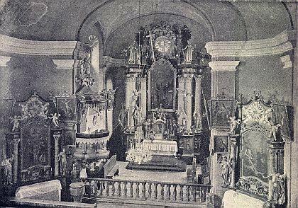 Někdejší interiér kostela sv. Petra a Pavla ve Svérazi