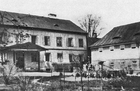 Rodině Müllerových, do níž se přivdala dcera Martina Bartoloměje Schreinera Anna, náležel i statek Palvínov (Pawinow), dnes ve značně dezolátním stavu...