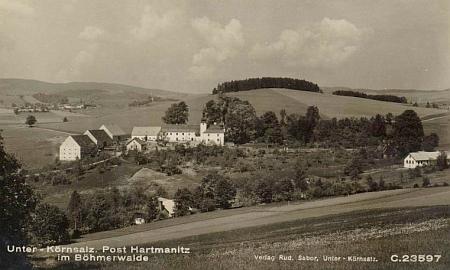 Rodině Schreinerů patřil kdysi i statek Dolejší Krušec (Unterkömslalz) u Hartmanic, který tu vidíme na staré pohlednici