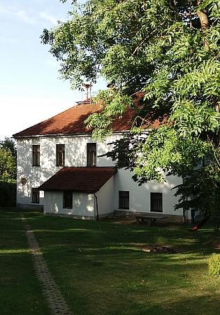 Někdejší škola na Libínském Sedle