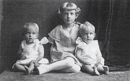 Celyho dcerky Gertl, Irma a Traudl