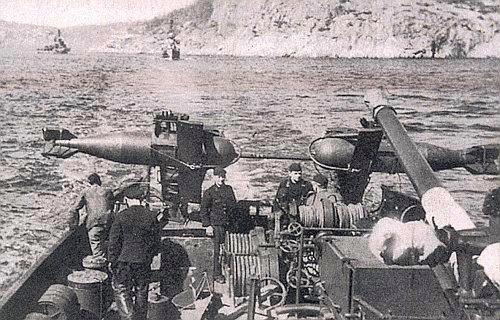 Snímek z válečné německé služby doprovázel článek M. Kerlese Když Češi bojovali za Hitlera