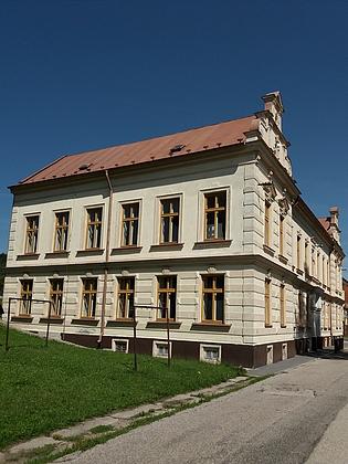Škola v Horní Plané, kde zahájil své učitelské působení