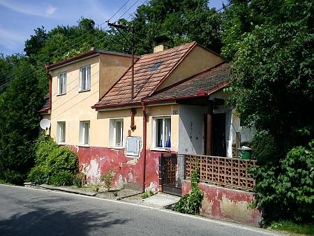 Takto dnes (2013) vypadá přestavěný rodný dům čp. 56 v Křemži