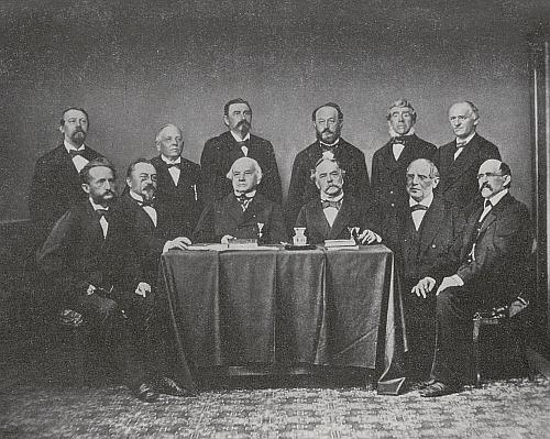 Na snímku jednoho z prvních výborů Českobudějovické spořitelny z roku 1881 je zachycen sedící třetí zprava - z porovnání portrétů výše vzniká ovšem oprávněná pochybnost, jestli portrét vgalerii českobudějovických starostů zachycuje opravdu jeho