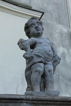 Vnější sochařská výzdoba chrámu