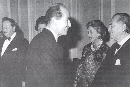 V sedmdesátých letech minulého století se tu na jednom snímku sešli zleva Panevropan Bruno Kreisky, OttoHabsburský a Richard Nikolaus hrabě Coudenhove-Kalergi