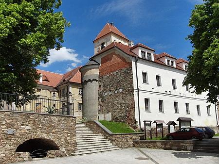 Poběžovický zámek je postupně rekonstruován