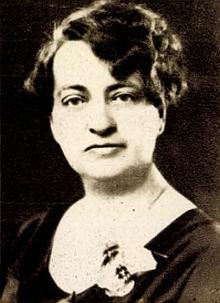 Na značně porušené straně indexu hornovltavické matriky můžeme uhodnout její příjmení vedle čitelného už křestního jména Emilia a křestních jmen rodičů - vyčíst se dá i datum narození, tj. 6. duben roku 1898