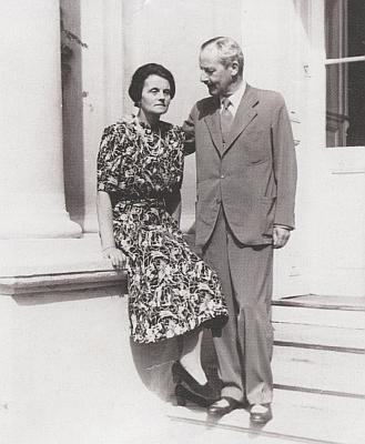 Rodiče na snímku z Chudenic, kde roku 1944 slavili stříbrnou svatbu