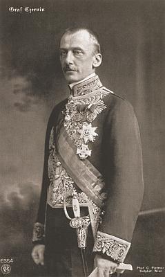 """Ottokar Czernin, snad nejvýznamnější z pánů """"von Chudenitz"""" (tento ovšem z linie vinořské), rakousko-uherský ministr zahraničí z let 1916 až 1918, na oficiální fotografii..."""