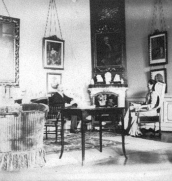 Interiér chudenického zámku z přelomu 19. a 20. století