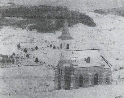 Poutní kaple Panny Marie Lurdské u Chrobol nad Zlatým potokem v lednu 1905...