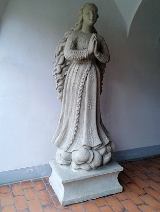 Originál sochy Panny Marie Budějovické, umístěný v sídle Národního památkového ústavu vČeských Budějovicích (viz i Josef Watzl)