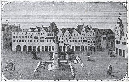 """Na vyobrazení z Kratochwillova a Meerwaldova """"Heimatbuchu"""" podle rytiny z roku 1641 vidíme náměstí ještě bez Samsonovy kašny (do konce 16. století tu bylo dokonce i hnojiště)"""