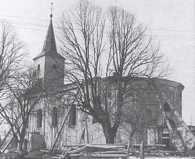 ... a týž kostel v Železné před demolicí v roce 1965