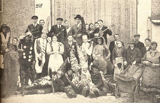 Masopust v Mrchojedech (Morchowa), zmiňovaných rovněž v jeho textu, na snímku z roku 1937