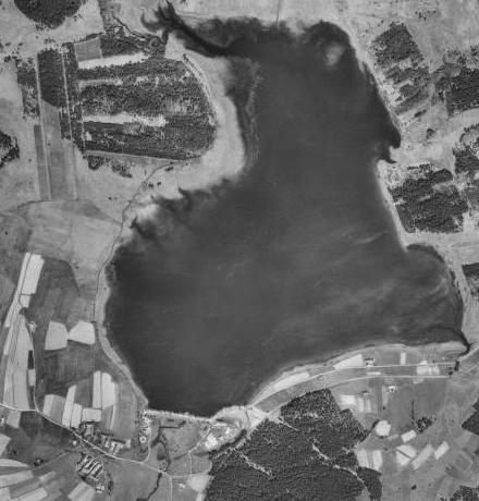 Rodná Olšina (Dlouhý Most) vlevo dole na leteckých snímcích z let 1947 (1949) a 2011