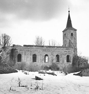 Kostel sv. Barbory před zánikem na snímku z roku 1965