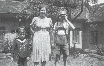 Za války s maminkou a starším bratrem
