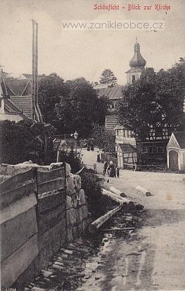 Pohlednice ze zaniklého Smrkovce, kde byl vkostele sv. Václava pokřtěn jeho otec, který ovšem ještě v březnu 1945 stačil vystoupit zřímskokatolické církve