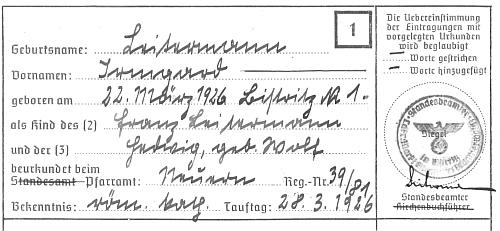 """Opis jejího křestního listu, pořízený pro tzv. """"Ahnenpass"""", povinný pro studenty, zde i ověřený podpisem otcovým ve funkci podobné úřednímu notáři (tzv. """"Standesbeamter"""")"""
