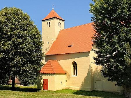 Kostel Nanebevzetí Panny Marie v rodném Bukovci