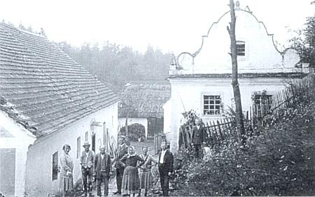 Žumberský mlýn a mlynářův dům s barokní fasádou