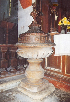 ... a křtitelnice (viz i Franz Lenz)