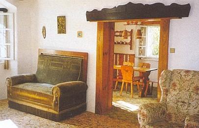 Hájovna na Slepici s interiérem penzionu společnosti Lesy obcí Trhové Sviny a Besednice