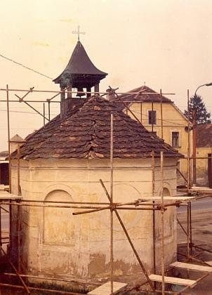 Kaple ve Vrátě před zahájením rekonstrukce