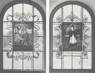Okna pamětní kaple ve Stadlbergu s motivy podmaleb na skle z někdejšího Pohoří
