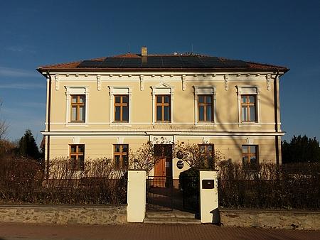 Bývalá německá škola v Homolích