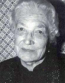 Její teta Rosa Ehrenthalerová, roz. Plechingerová, se narodila na Bučině a je pochována v sousedním Finsterau
