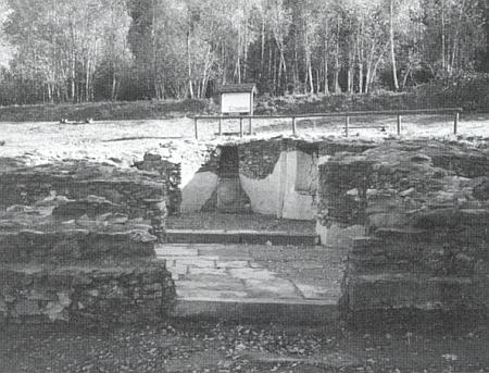 Pamětní místo s presbyteriem zničeného kostela Svatého kříže v místě zvaném Kreuzwinkel při jeho rodných Hamrech